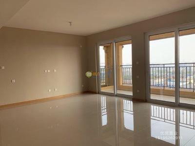 龙馨园3室2厅2卫,高层,精装修新房东边户 146万137平
